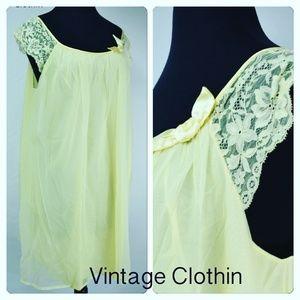 132081ed1f ... Vintage 1960s VanityFair Yellow BabyDoll Nightgown ...